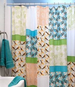 Shower-curtain-beauty-1