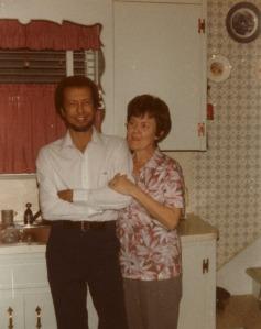 Dad&mom-in-kitchen